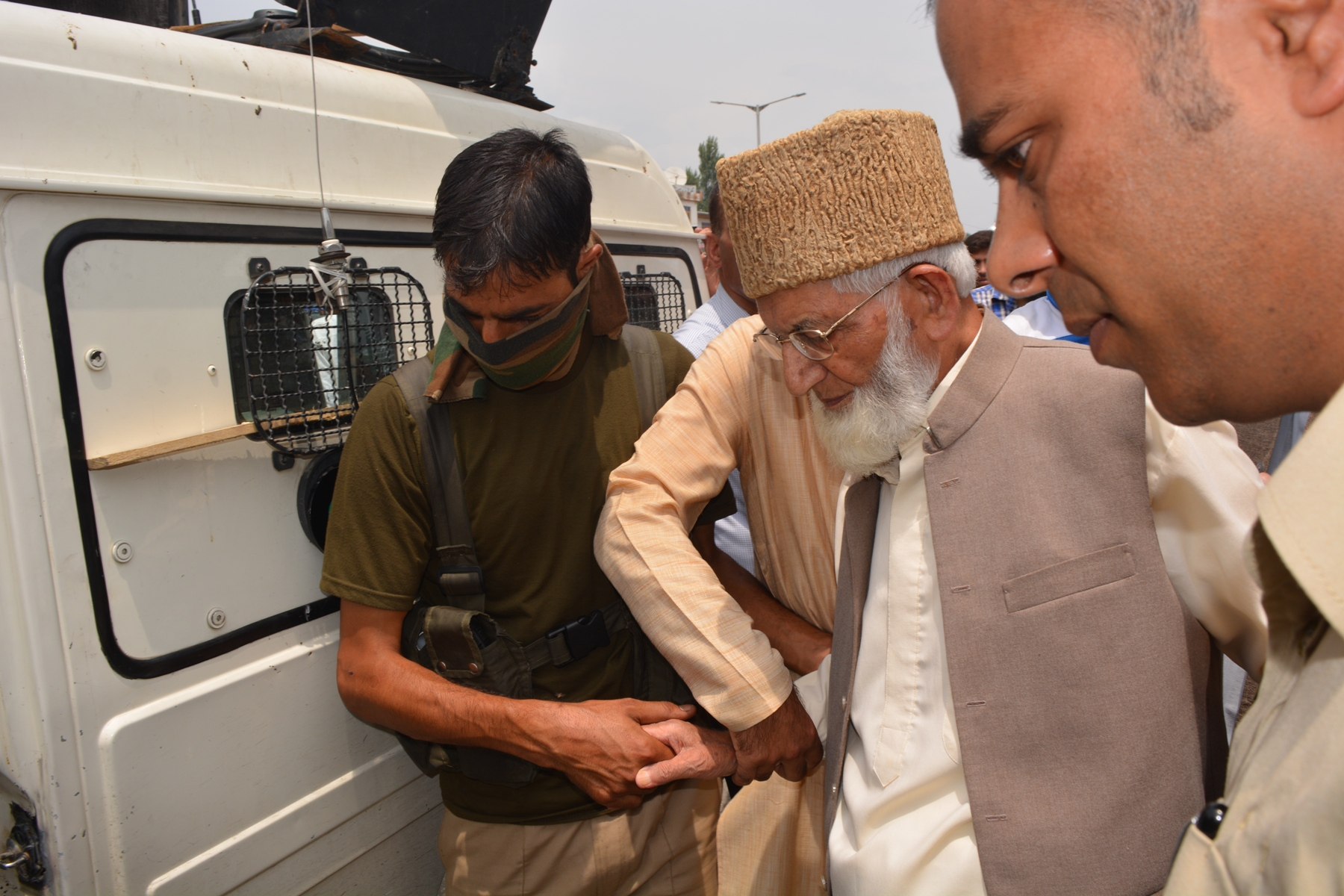 Chairman APHC Syed Ali Geelani arrested by police outside his residence at New Airporat Road at 12:40 (noon) and was taken to Police Station Humhama. It is to mention here that the resistance leadership announced that on Monday (July 25), people in large numbers should move towards south Kashmir's Islamabad district and participate in a rally to be held at Lal Chowk there after the Zuhar (afternoon) prayers to express solidarity with people there and pay glowing tributes to the recent martyrs.